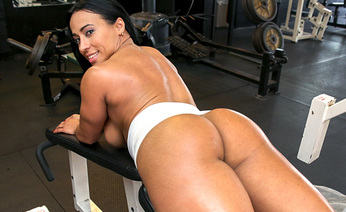 Tight Body-Builder Pussy Fucked Hardcore