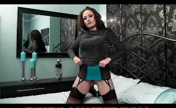 Sophia Delane home alone masturbation