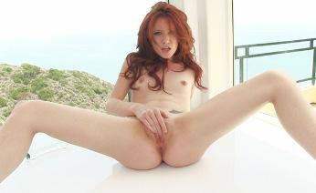 Redhead Elle Alexandra pussy outside