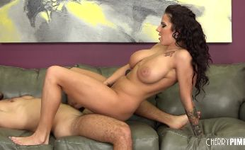 Busty Lylith LaVey Loves Showing Her Skills