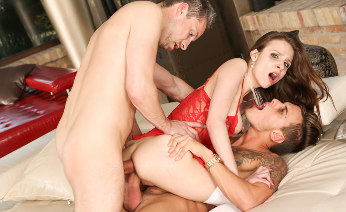 Mary Wet Anal Threesome